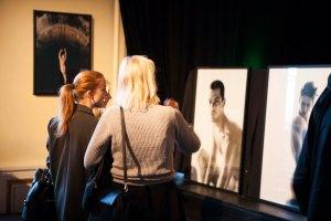 Fotoutställningen Guy av Erik Lundback